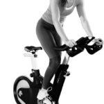 Fitness Kurse - Indoor Cycling - Frau - Body Forming - Abnehmen