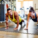 Paar - Training - Gym - Fitnessstudio